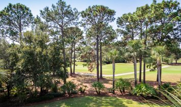 Spacious Burnt Pine Home With Pool Overlooking Golf Course