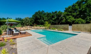 Newly Remodeled And Completely Renovated Contemporary Masterpiece