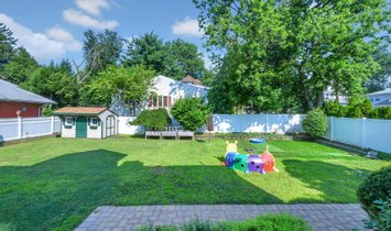 This Stately Colonial Home Has All The Modern Amenities