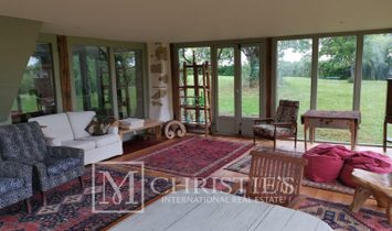 Unique character property renovated to an exceptional standard close to Marciac