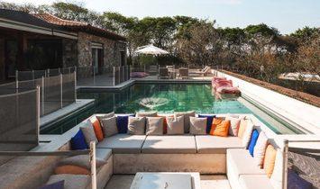 Classy property in the prestigious community of Fazenda Boa Vista