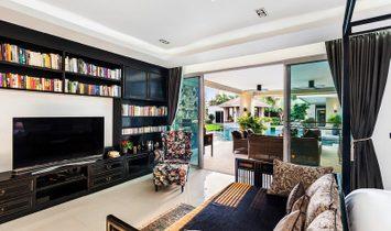 Villa Ola, Pattaya