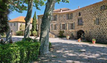 House in Montpellier-de-Medillan, Nouvelle-Aquitaine, France