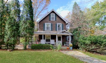 Colonial Farmhouse With Charming Features