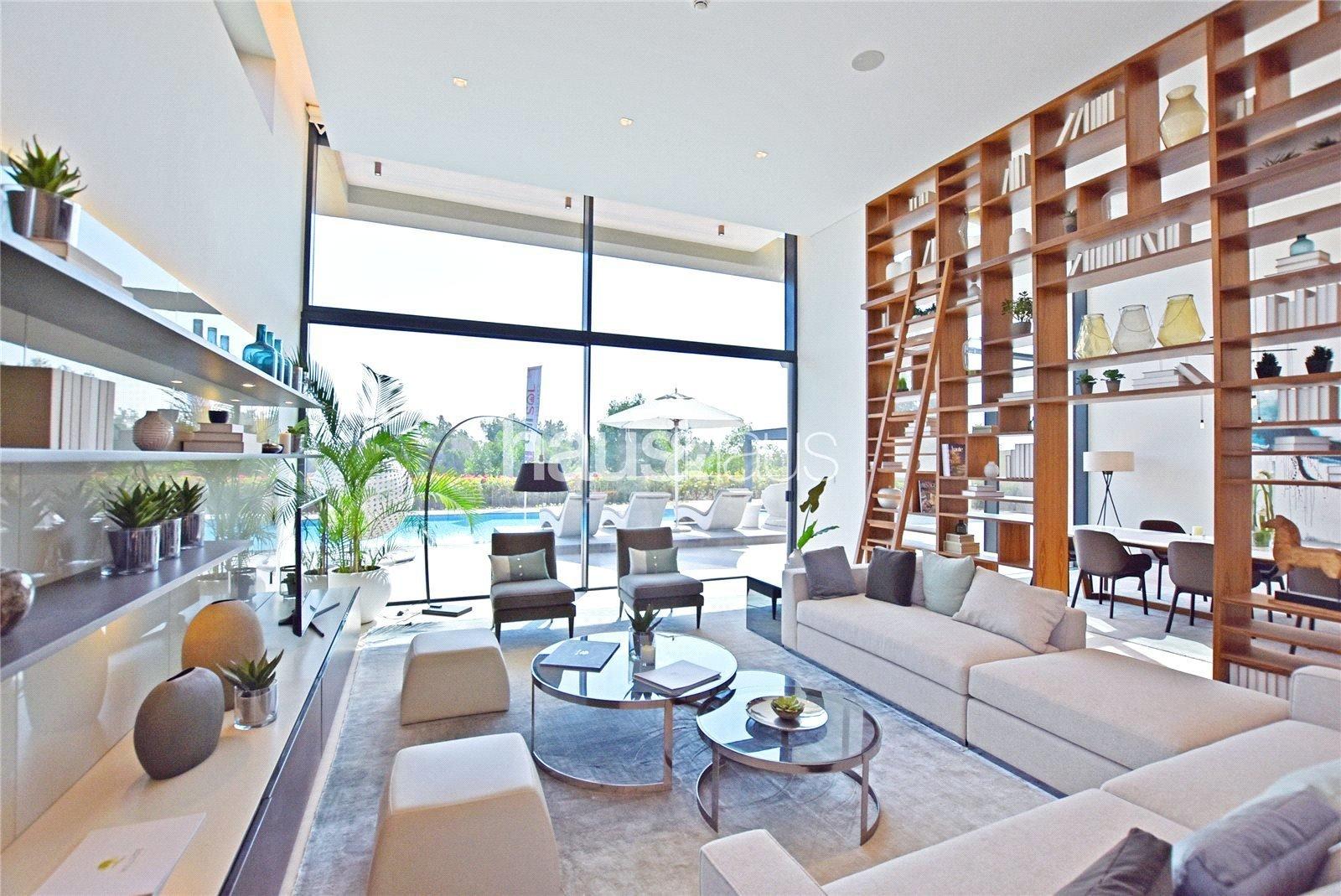 Villa in Jumeirah Golf Estates, Dubai, United Arab Emirates 1
