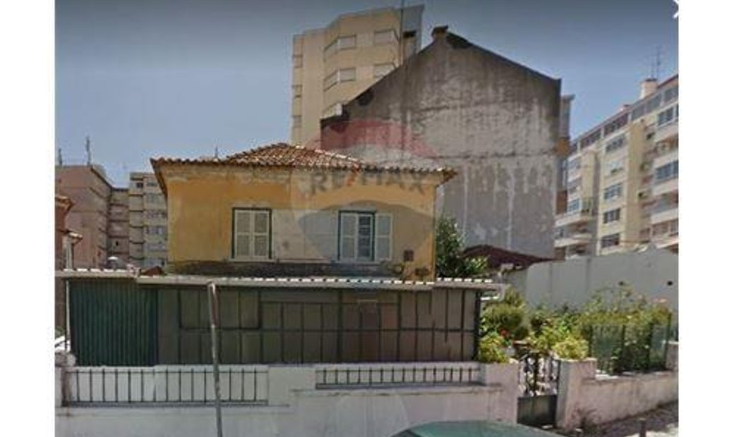 Yield property - T6 - For Sale - Odivelas, Odivelas