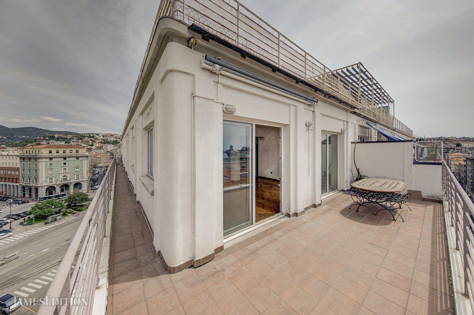 Penthouse in Trieste, Friuli-Venezia Giulia, Italy 1
