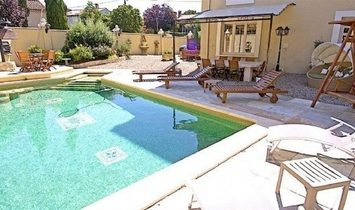 Unique Renovated Maison De Maitre With 410 m2 Of Living Space On 909 m2 Private Land With Pool.
