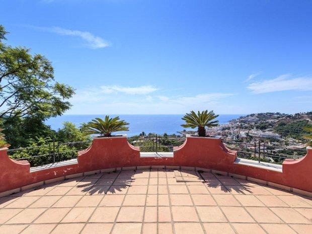 Villa in Velilla-Taramay, Andalusia, Spain 1