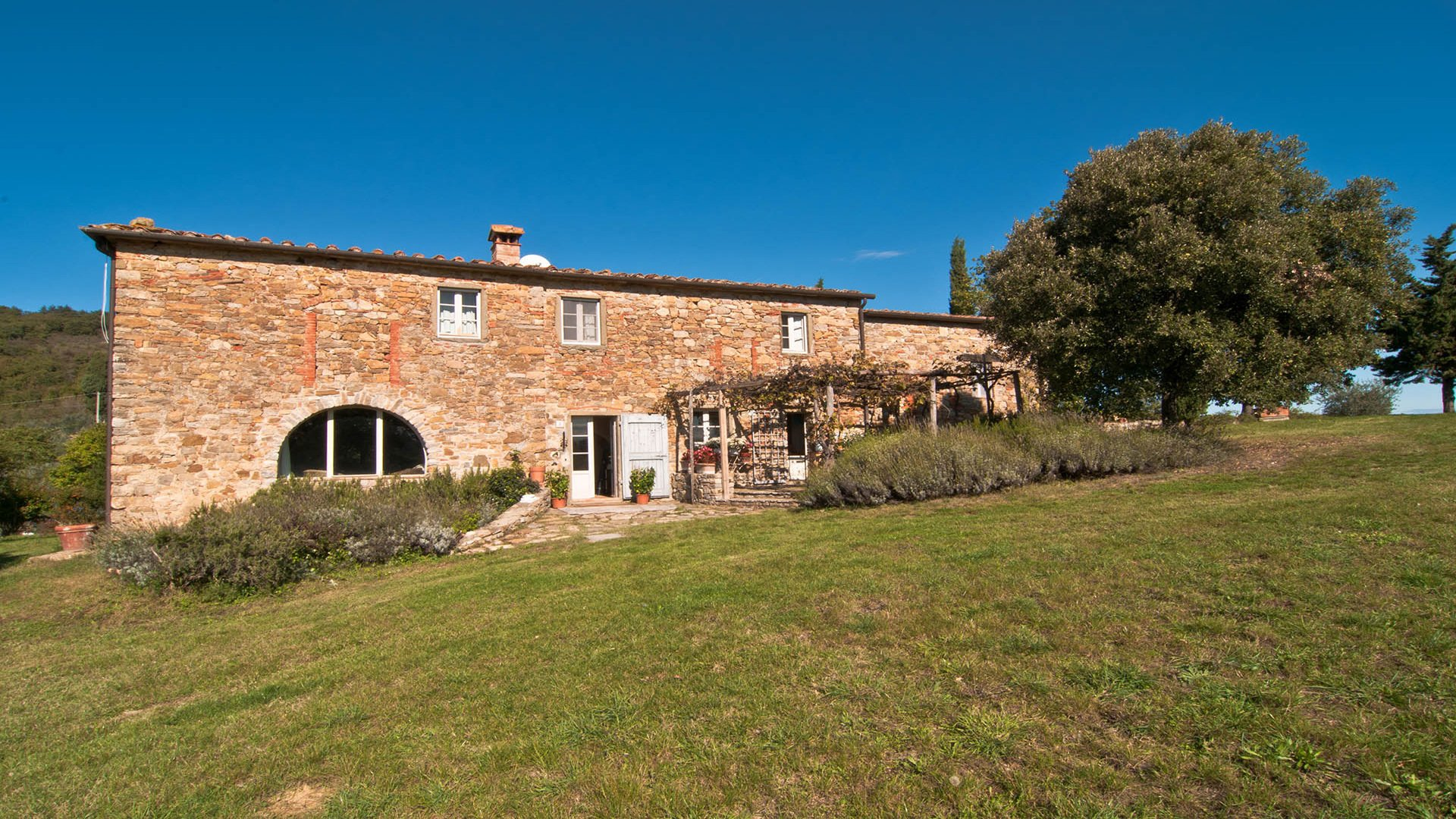 Country House in Tuscany, Italy 1