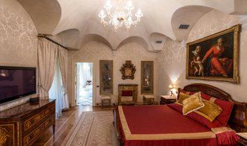Prestigious penthouse close Piazza Navona-Rome