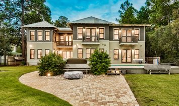Bay Front Home With Carriage House And Pool