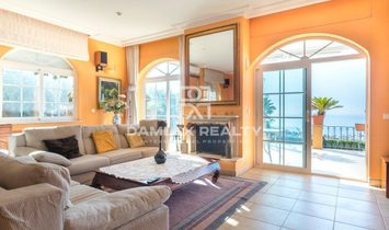 Villa with fantastic sea views 15 minutes from Barcelona