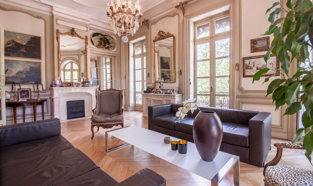 Nimes   Haussmannian Apartment At A Great Location