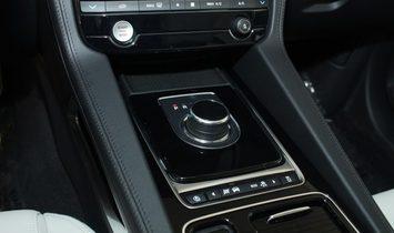 Jaguar F-PACE 25t Prestige
