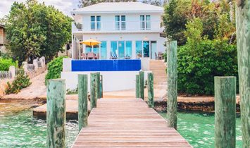 House in Dunmore Town, Harbour Island District, Bahamas