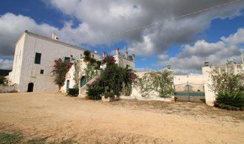 Casa di campagna in Puglia, Italia 1