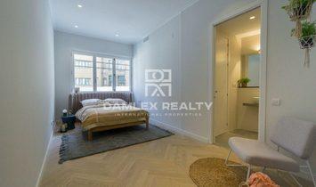 Apartment in Barcelona renovated near the University of Barcelona.
