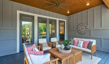 A Stunning Modern Farmhouse In Chestatee