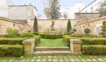 Town mansion for sale in Versailles