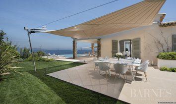 Seasonal rental - Villa Saint-Tropez