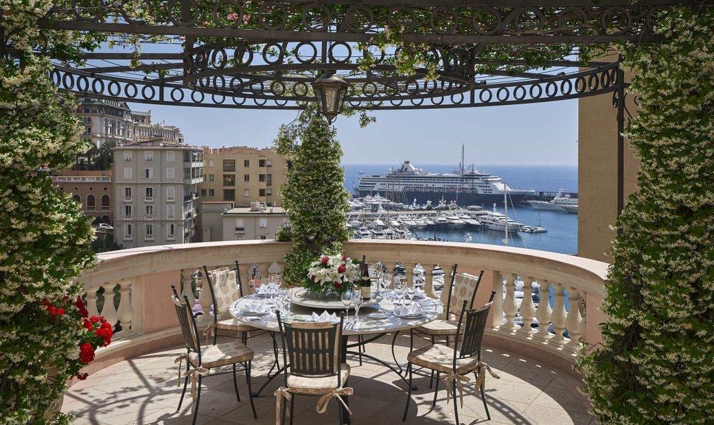 Exceptional Villa Overlooking The Port.