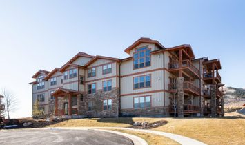 Stylish And Meticulously Maintained Top Floor Condominium