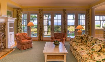 Lovely Bay Harbor Home With Dynamic View