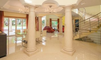 Magnificent villa in the heart of Vilamoura