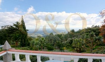 Stunning Countryside Villa with Gorgeous Views in Western Algarve