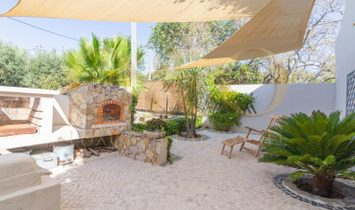 Unique rustic villa in a quiet location