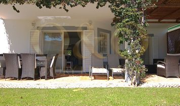Attractive 3 bedroomed Encosta do Lago apartment with private garden