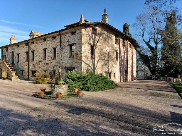 Country House in Reggio Emilia, Emilia-Romagna, Italy 1