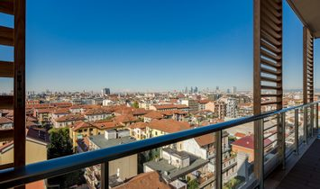 Bright Penthouse With 360° View Of The City