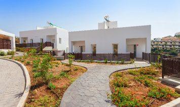Townhouse  for sale in Miraflores, Málaga