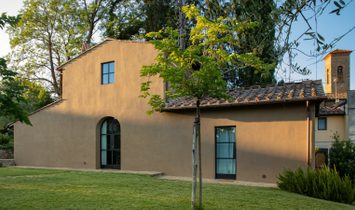 Farmhouse with garden and pool in Florence