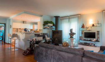 Modern penthouse in the centre of the city with 240 sqm. of terrace.