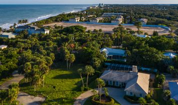 Gorgeous Pool Home East Of A1 A