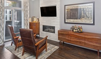 Fully Renovated Lincoln Park Duplex