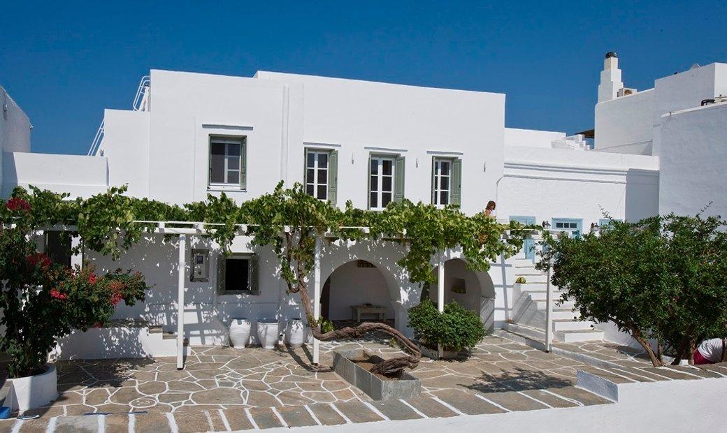 Sifnos, Artemonas, traditional villa for sale