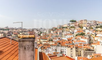 Building on the slope of the Castle overlooking the city of Lisbon