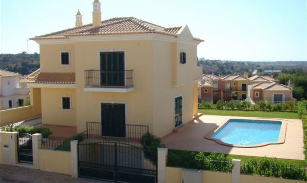 Detached house T3+1 Sell em Alcantarilha e Pêra,Silves