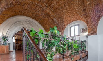Sophisticated Deconsecrated Church, Used As A Dwelling, With Garden