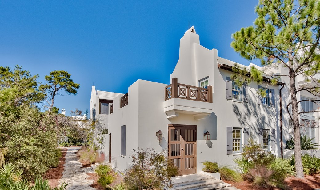 Courtyard Style Home Perfect For A Beach Retreat