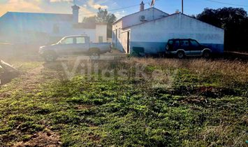 Farm with two houses and warehouse in Silves