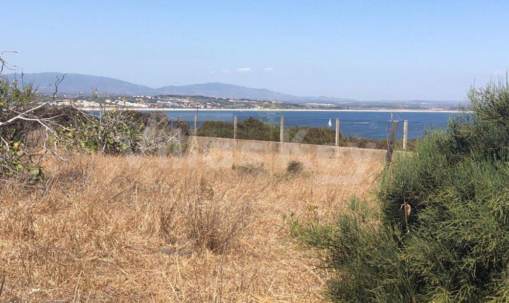 Land at the Ponta da Piedade with excellent sea view