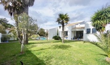 Dpt Hérault (34), for sale AGDE house P8 280 m² - Land of 1 650,00 m² - Ground level