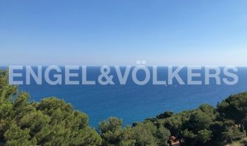 Villa with Seaview on the Gulf of Andora