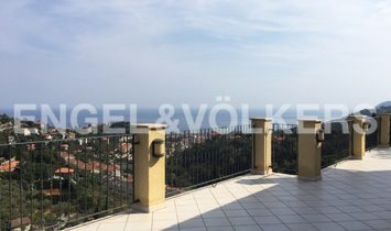 Villa on the Hill with Amazing Sea View