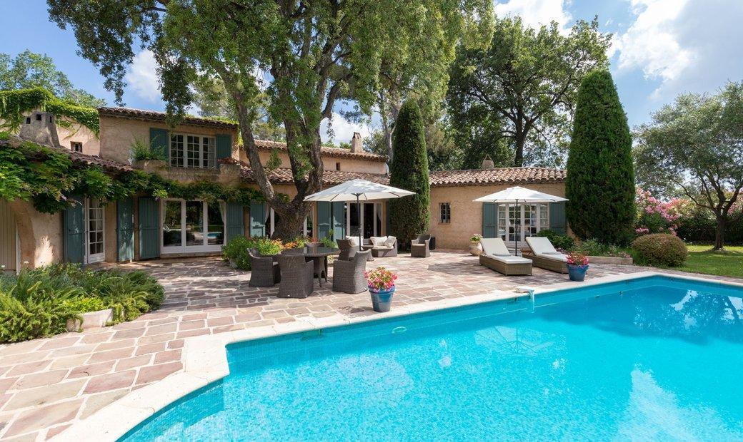 Sale - Villa Valbonne